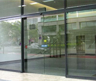 NGF System - Frameless Doors
